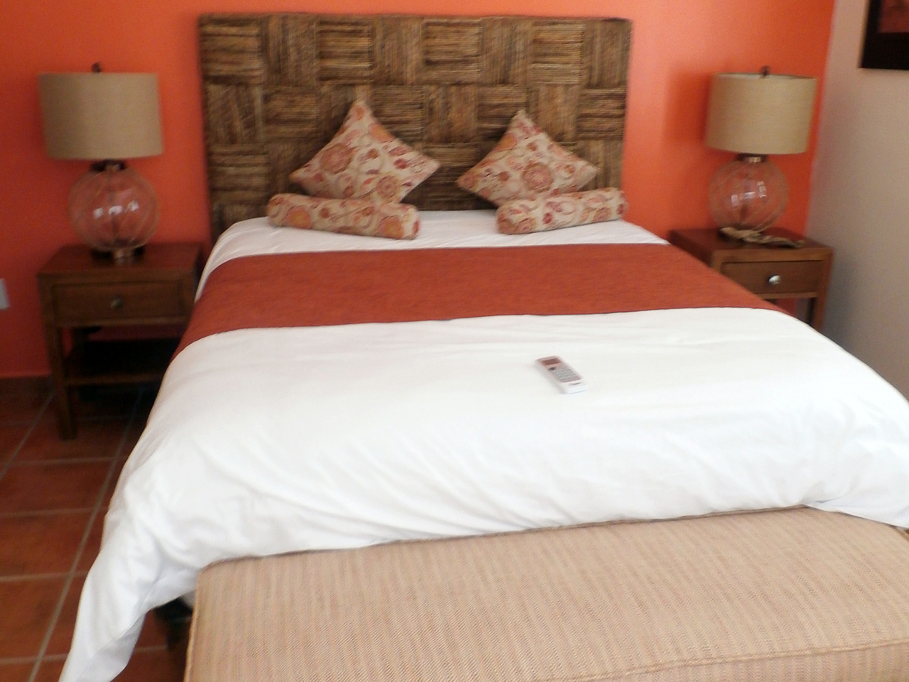 Private Queen Room with Private Bath at Divers Inn MX Bed & Breakfast in La Paz, Mexico