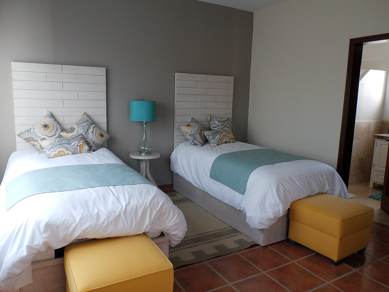 Private room with 2 twin beds and Private Bath at Divers Inn MX Bed & Breakfast in La Paz, Mexico