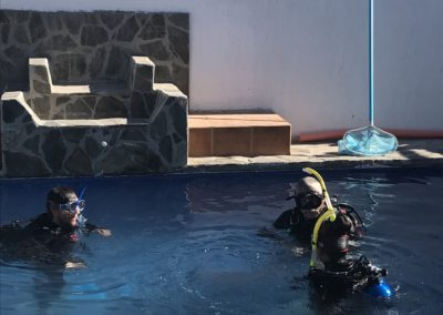 Dive training in the pool at Divers Inn MX
