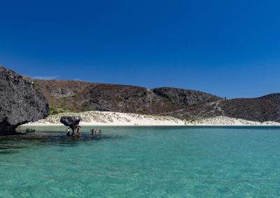 Divers Inn MX offers day excursions to Playa Balandra in La Paz, BCS Mexico